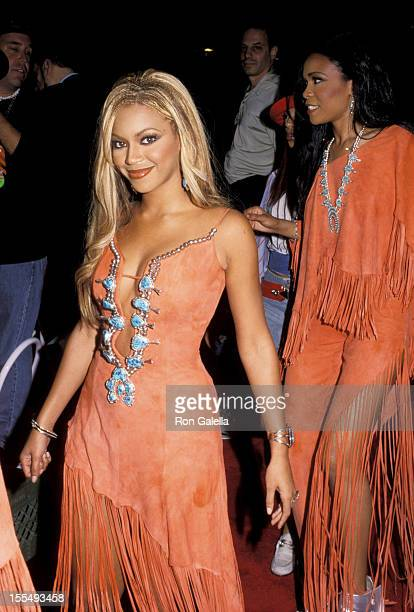 Beyonce Knowles during 2001 MTV Video Music Awards Arrivals at The Metropolitan Opera House at Lincoln Center in New York City New York United States