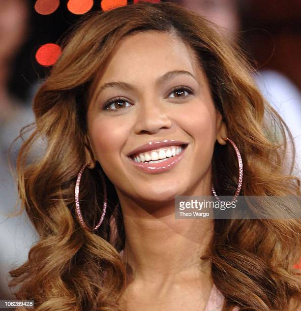 Beyonce Knowles during Beyonce and the Cast of 'One Tree Hill' Visit MTV's 'TRL' February 7 2006 at MTV Studios in New York City New York United...