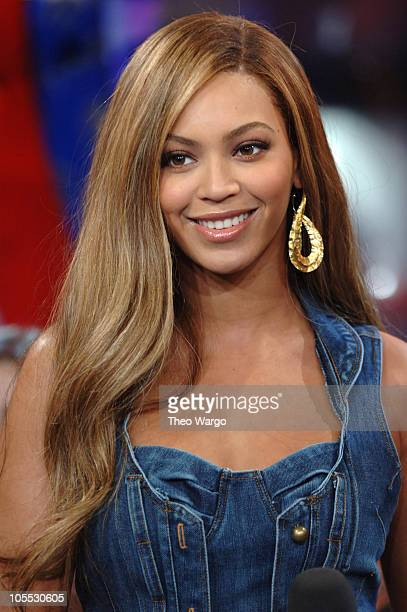 Beyonce Knowles during Beyonce Knowles and David Spade Visit MTV's TRL November 3 2005 at MTV Studios Times Square in New York City New York United...