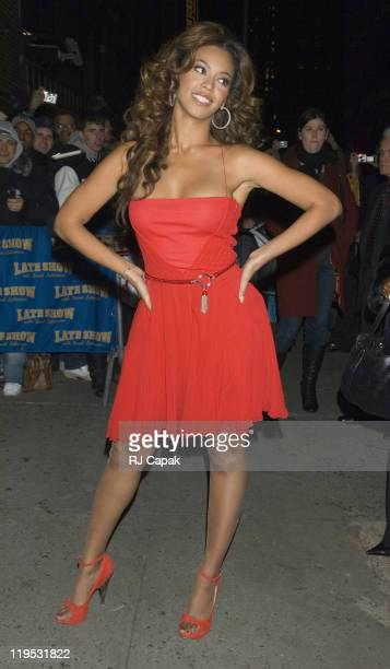 """Beyonce Knowles during Beyonce Knowles and Marv Albert Visit """"The Late Show With David Letterman"""" - December 19, 2006 at Ed Sullivan Theatre in New..."""