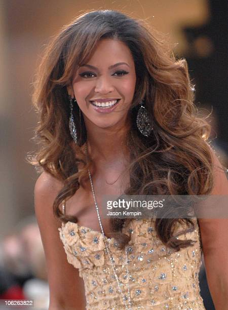 """Beyonce Knowles during Beyonce Performs On """"The Today Show"""" - December 4, 2006 at Rockefeller Center in New York City, New York, United States."""