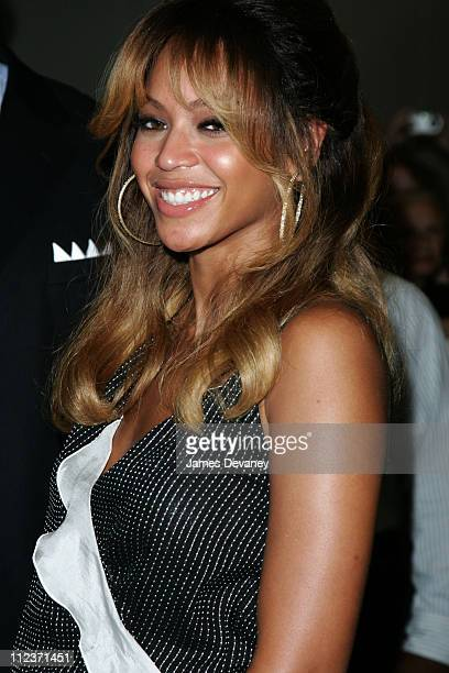 Beyonce Knowles during Kate Hudson Beyonce Knowles and Owen Wilson Outside MTV's TRL Studios July 12 2006 at MTV Studios Times Square in New York...