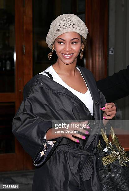 Beyonce Knowles leaves Bar Pitti restaurant after lunching with Jay-Z in New York city on February 20, 2008.