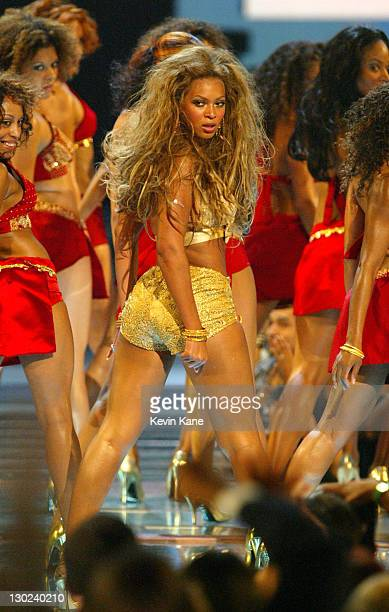 Beyonce Knowles peforms at the 2003 MTV Video Music Awards