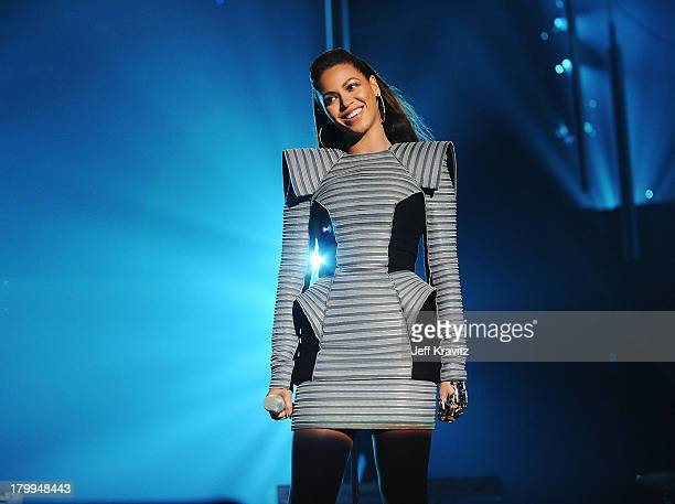 Beyonce Knowles performs at the 2008 MTV Europe Music Awards held at at the Echo Arena on November 6 2008 in Liverpool England