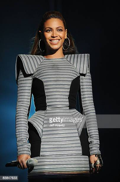 Beyonce Knowles performs at the 2008 MTV Europe Music Awards held at at the Echo Arena on November 6, 2008 in Liverpool, England.