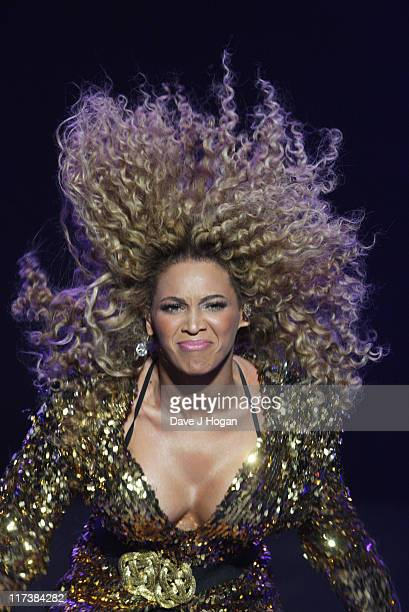 beyonce-knowles-performs-at-the-glastonb