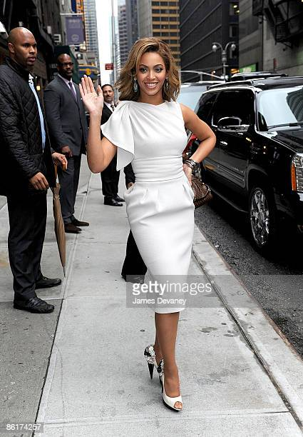 Beyonce Knowles visits 'Late Show with David Letterman' at the Ed Sullivan Theater on April 22 2009 in New York City New York