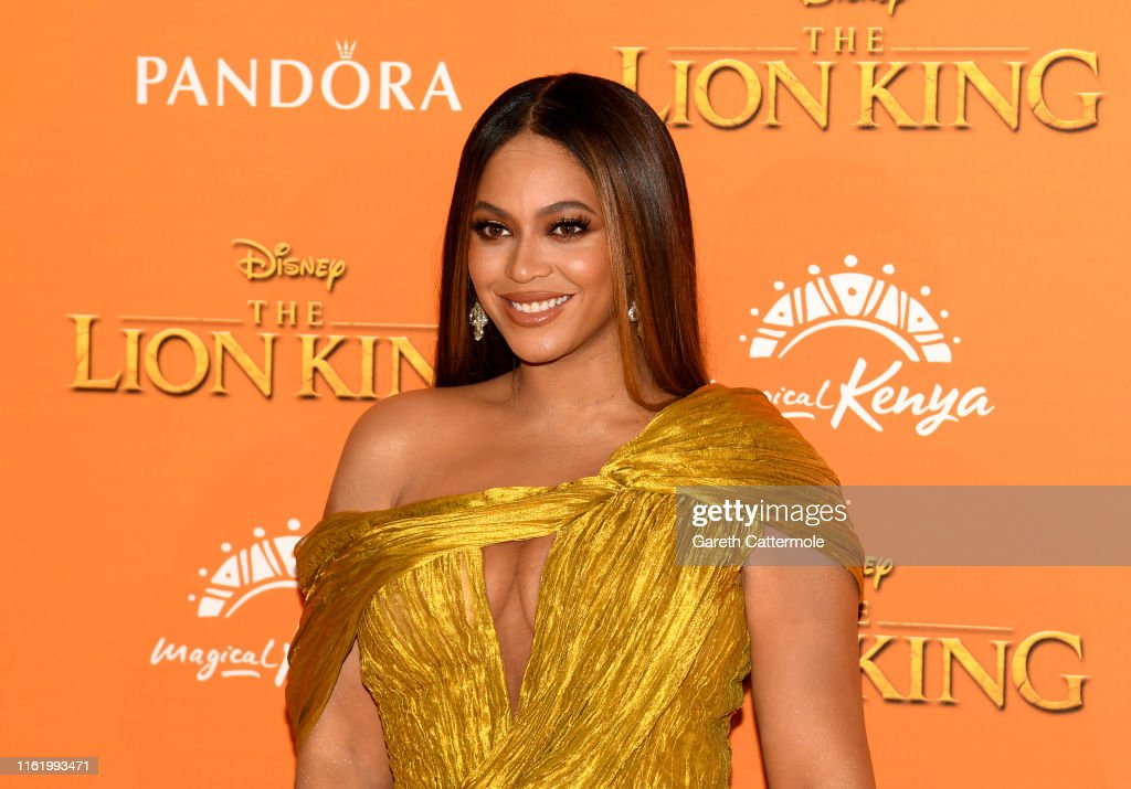 """European Premiere of Disney's """"The Lion King"""" : News Photo"""