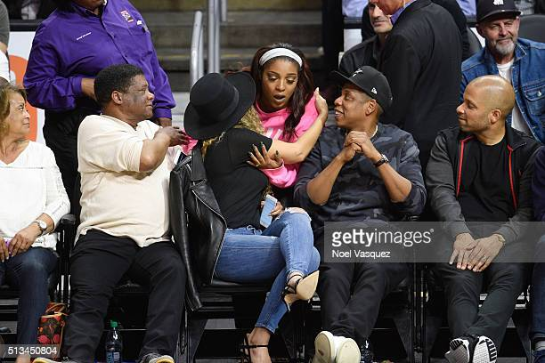 Beyonce meets a fan at a basketball game between the Oklahoma City Thunder and the Los Angeles Clippers at Staples Center on March 2 2016 in Los...