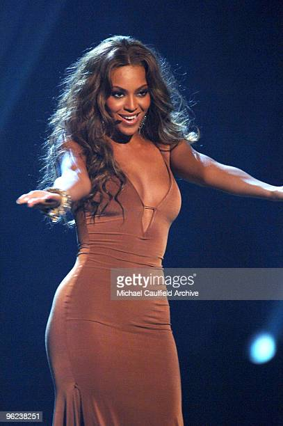 Beyonce of Destiny's Child performs Cater 2 U