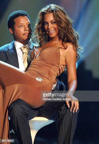 Beyonce of Destiny's Child performs Cater 2 U with Terrence Howard