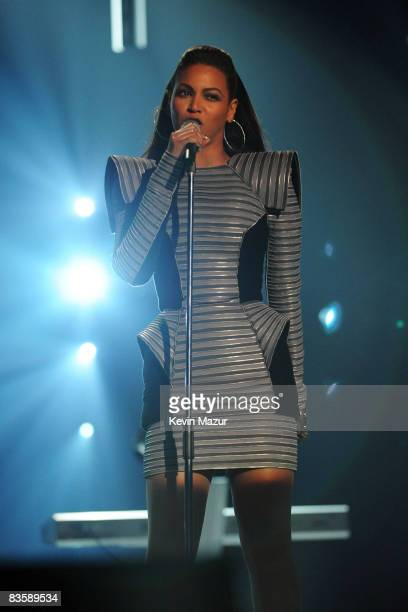Beyonce performs at the 2008 MTV Europe Music Awards held at at the Echo Arena on November 6, 2008 in Liverpool, England.