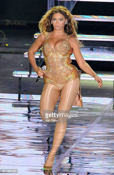 Beyonce performs during day 3 of F1 Rocks Singapore concert at Fort Canning Park on September 26 2009 in Singapore