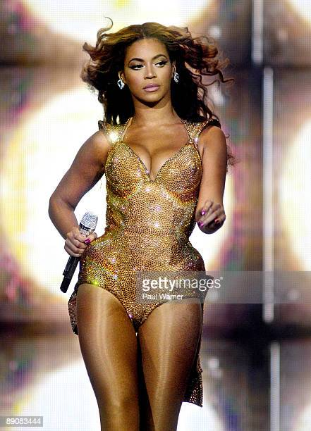 Beyonce performs during the I AM tour at the United Center on July 17 2009 in Chicago Illinois