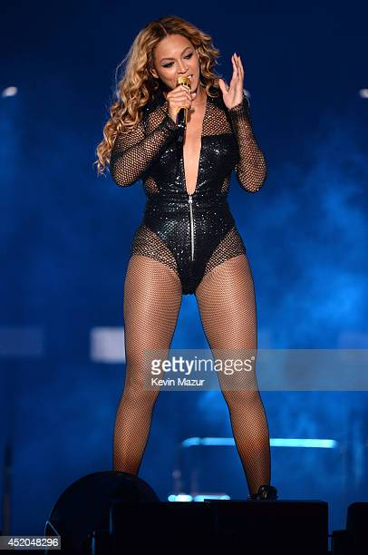 """Beyonce performs during the """"On The Run Tour: Beyonce And Jay-Z"""" at MetLife Stadium on July 11, 2014 in East Rutherford, New Jersey."""