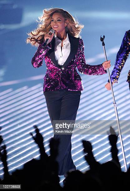 Beyonce performs on stage at the The 28th Annual MTV Video Music Awards at Nokia Theatre LA LIVE on August 28 2011 in Los Angeles California
