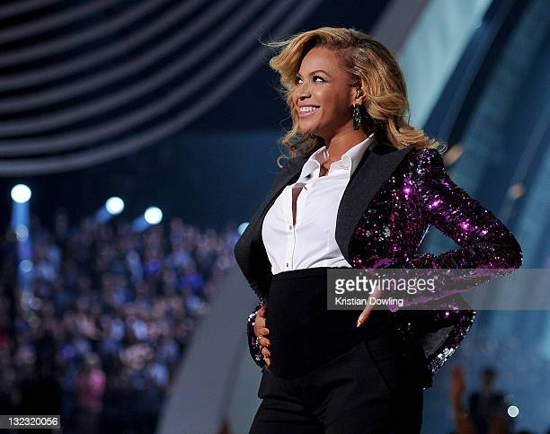 Beyonce performs onstage at the 2011 MTV Video Music Awards at the Nokia Theatre LA Live on August 28 2011 in Los Angeles CA