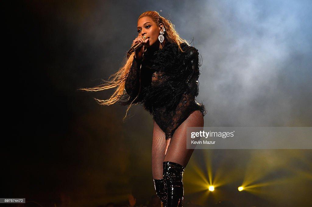 2016 MTV Video Music Awards - Show & Audience : News Photo