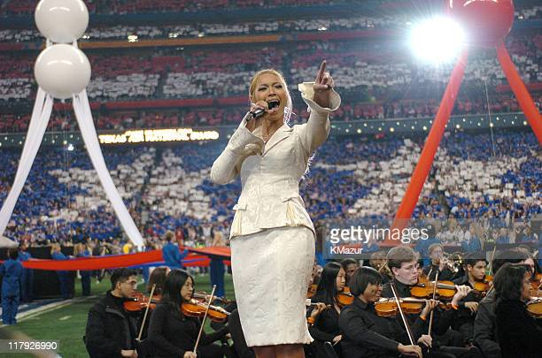 Beyonce sings the National Anthem to kick off Super Bowl XXXVIII