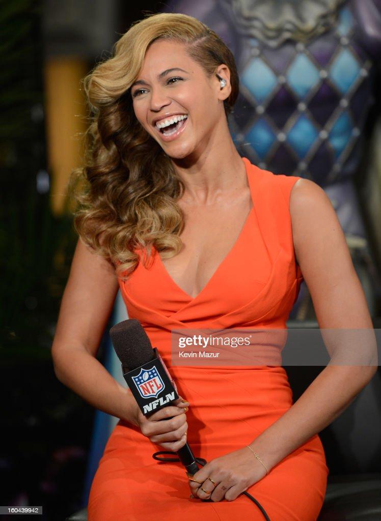 Beyonce Visits Radio Row : Foto jornalística