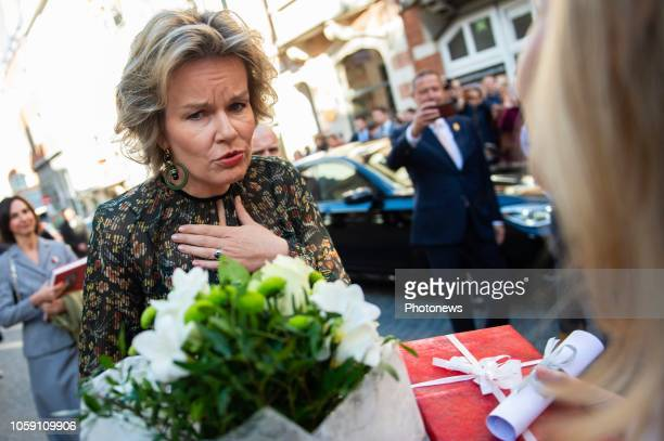 - Bezoek van de Koningin aan de tentoonstelling 'Macht en Schoonheid. De Arenbergs' in het museum M in Leuven - Visite de la Reine à l'exposition...