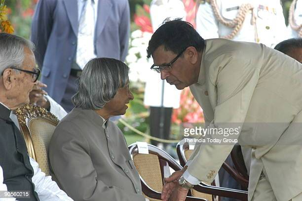 Bhairon Singh Shekhawat Vice President of India with APJ Abdul Kalam President of India Chief Justice of India YK Sabharwal and other at Rashtrapati...