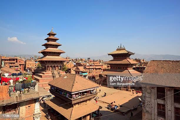 bhaktapur durbar square - カトマンズ ストックフォトと画像