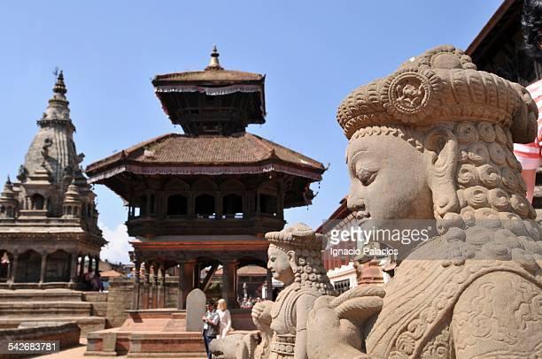 bhaktapur durbar square - バクタプル ストックフォトと画像
