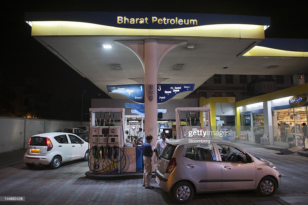 general images of bharat petroleum gas stationsの写真およびイメージ