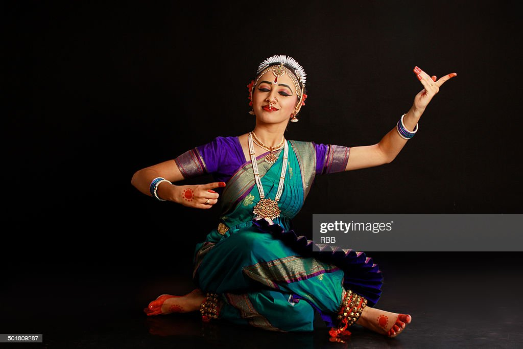 1 318 Bharatanatyam Dancing Photos And Premium High Res Pictures Getty Images