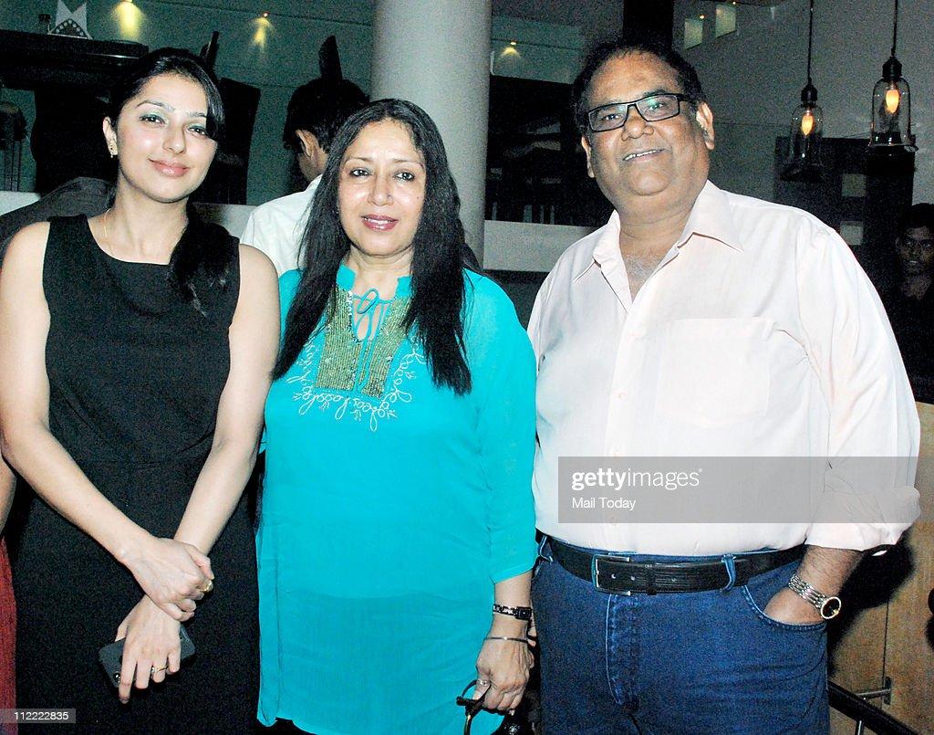 Bhumika Chawla with Satish Kaushik at his birthday party at Mangi Ferra in Mumbai on April 13 2011