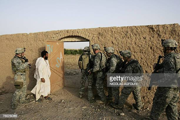 Biabanak, AFGHANISTAN: In this picture taken, 02 July 2007, US soldiers from Bravo Company 1-508 Parachute Infantry Regiment 82nd Airborne Division...