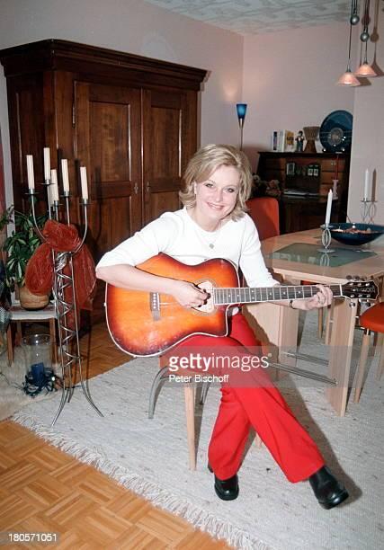Bianca App Homestory Bretten Gitarre Musikinstrument Gitarre spielen