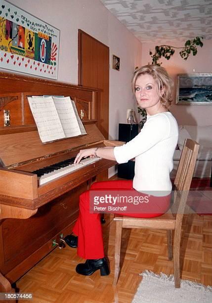 Bianca App Homestory Bretten Klavier Musikinstrument Klavier spielen