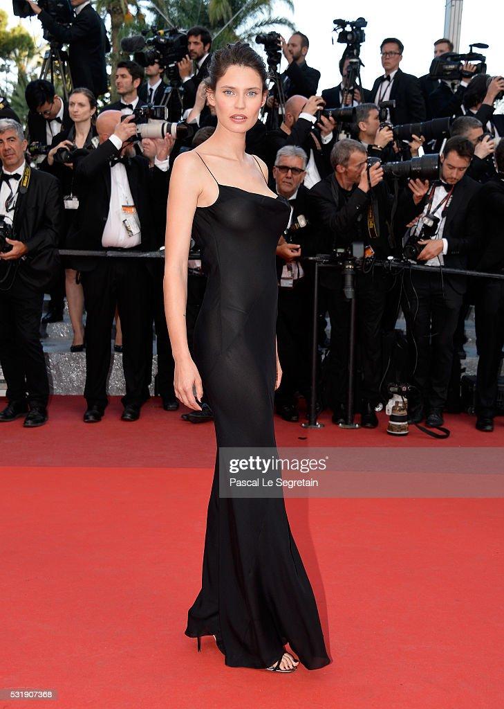"""""""Julieta"""" - Red Carpet Arrivals - The 69th Annual Cannes Film Festival : Photo d'actualité"""