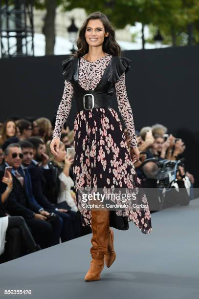 Bianca Balti walks the runway during the Le Defile L'Oreal Paris Spring Summer 2018 show as part of Paris Fashion Week at Avenue des ChampsElysees on...