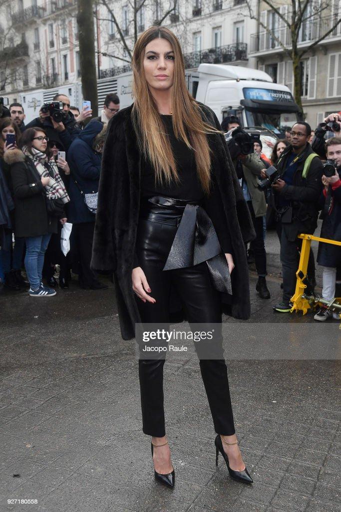 Valentino : Outside Arrivals - Paris Fashion Week Womenswear Fall/Winter 2018/2019