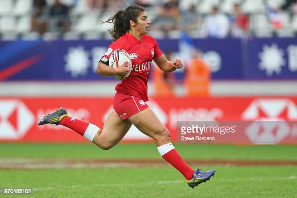 Bianca Farella of Canada breaks away to score a try during the Women's Cup semi final between New Zealand and Canada during the HSBC Paris Sevens at...