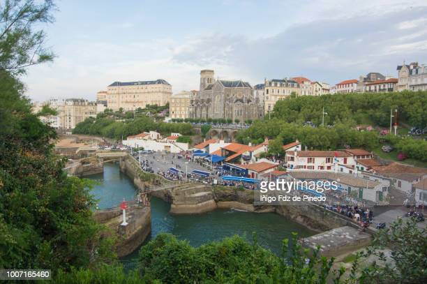 biarritz and its old fisherman port, aquitania, basque country, france. - biarritz stock pictures, royalty-free photos & images