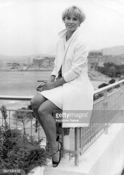 Bibi Andersson sur la terrasse du palais des festivals au Festival international du film à Cannes France le 14 mai 1966