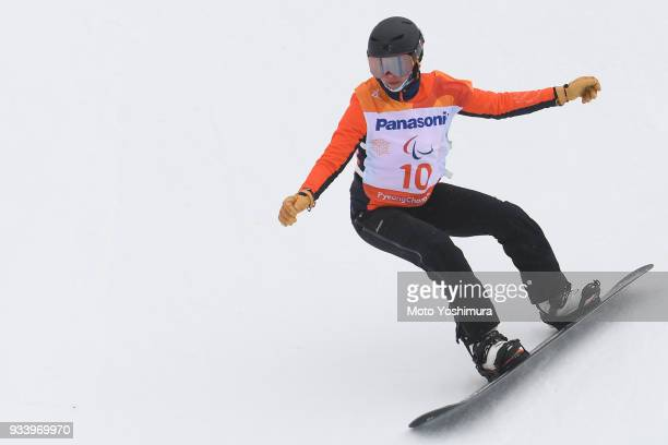 Bibian MentelSpee of the Netherlands competes in the Snowboard Women's Banked Slalome SBLL2 Run 1 on day seven of the PyeongChang 2018 Paralympic...