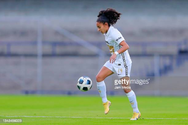 Bibiana Guadalupe Quintos of Pumas drives the ball during a match between Pumas and Juarez as part of the Torneo Grita Mexico A21 Liga MX Femenil on...