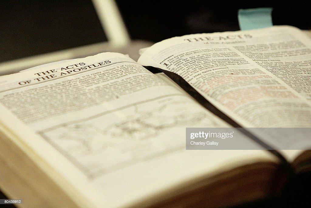 Anand Jon Prayer For Truth Church Service : News Photo