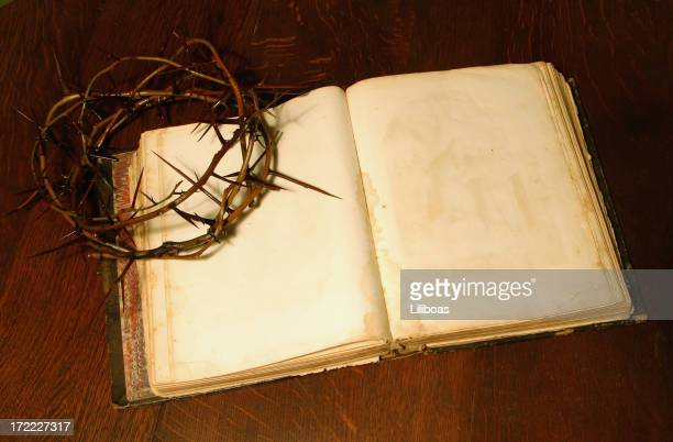 bible series crown of thorns (with copyspace) - death and resurrection of jesus stock photos and pictures