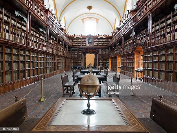 biblioteca palafoxiana in puebla, mexico - puebla state stock pictures, royalty-free photos & images
