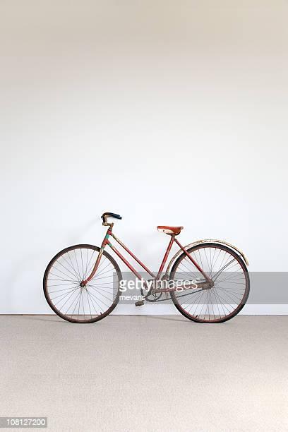 Bicicleta contra la pared