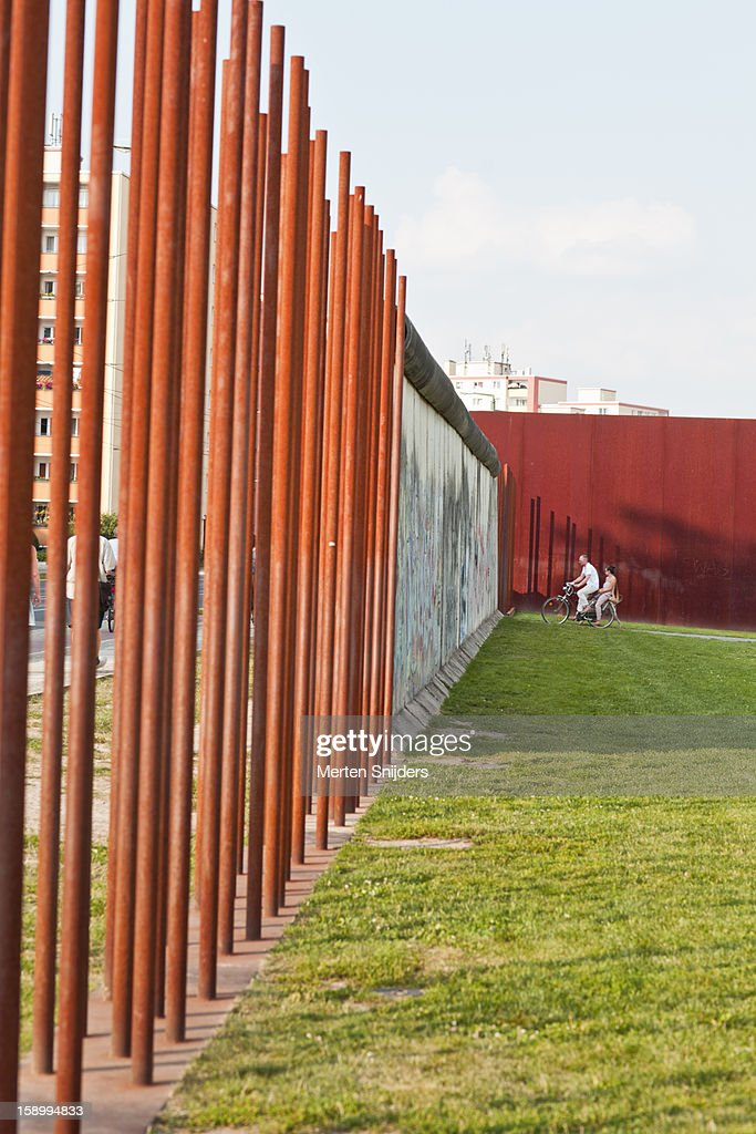 An official memorial site to the wall is on Bernauer Strasse along 1.4 kilometers of the former border and including a section of the no man's land that separated both sides