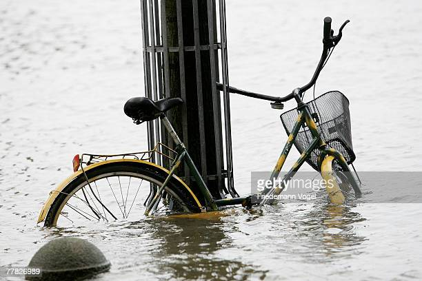 A bicycle is seen at the Fischmarkt during the flood on November 9 2007 in Hamburg Germany The Hamburg fish market and other areas close to the...