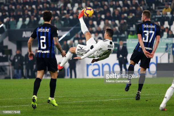 27 Ronaldo Bicycle Kick Photos And Premium High Res Pictures Getty Images